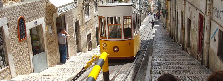 Rua da Bica em Lisboa é considerada a rua mais bonita do mundo - nacionalidade portuguesa