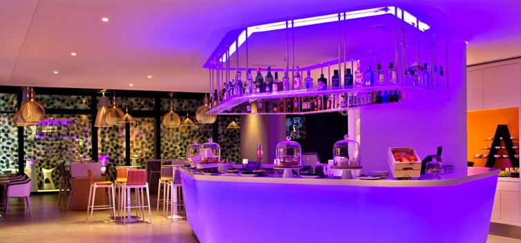 Bar do Evolution Lisboa Hotel - nacionalidade portuguesa