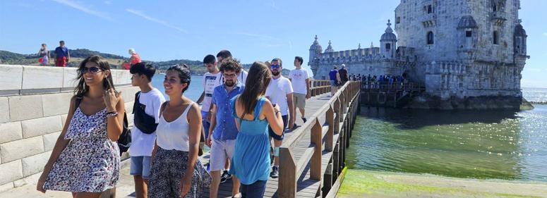 Os brasileiros são um dos estrangeiros que mais visitam Portugal - nacionalidade portuguesa