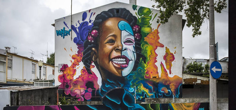 parede decorada nas ruas de lisboa - nacionalidade portuguesa