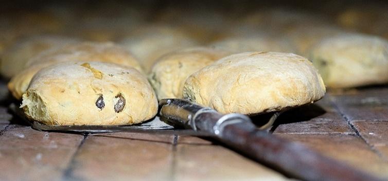 pães de azeitona - nacionalidade portuguesa