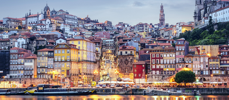 Bairro da Ribeira em Porto - nacionalidade portuguesa