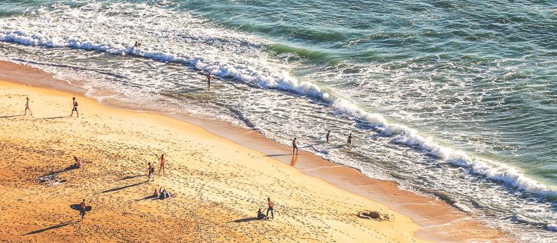 praia em Portugal - nacionalidade portuguesa