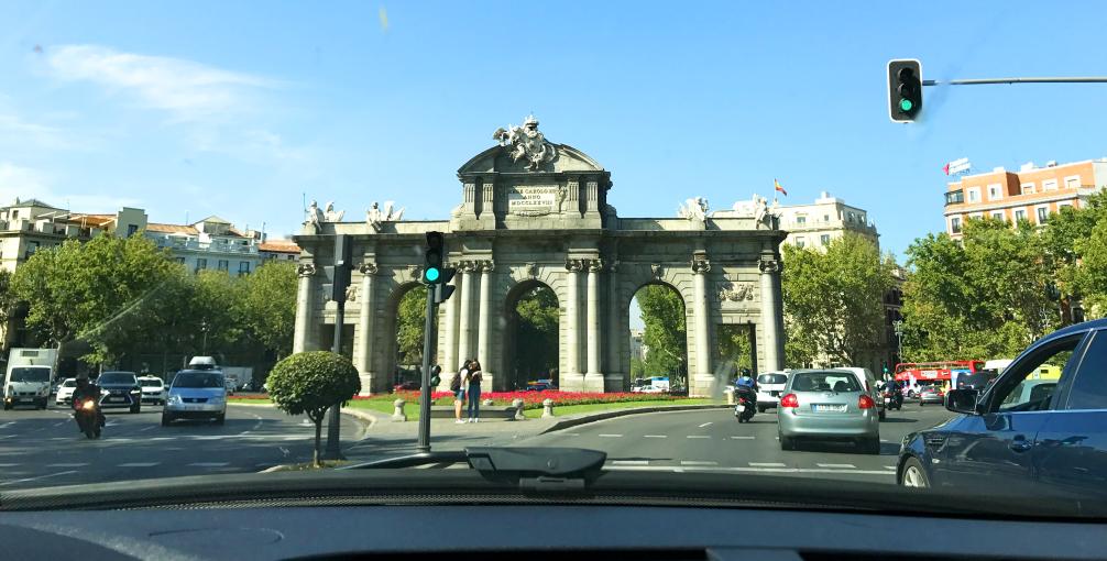 alugar carro em Portugal - nacionalidade portuguesa