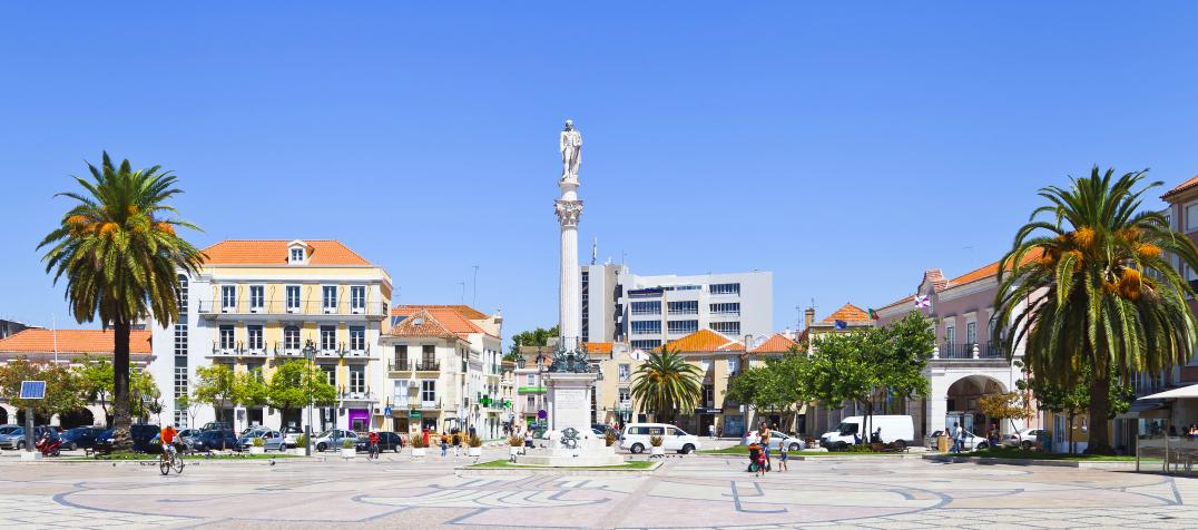 praça de Bocage em Portugal - nacionalidade portuguesa