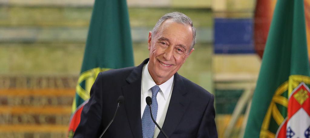 Presidente de Portugal assina documento para facilitação de pedido de vistos - nacionalidade portuguesa