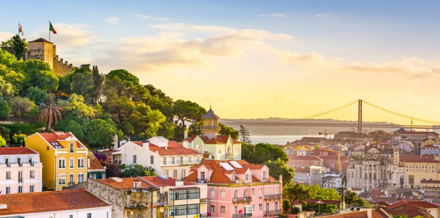 Alfama em Portugal - nacionalidade portuguesa