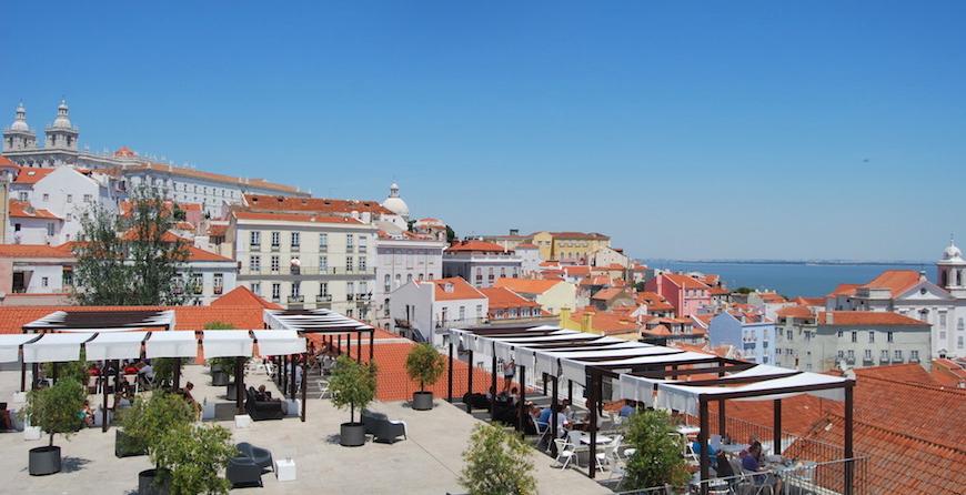 Miradouro das Portas do Sol - nacionalidade portuguesa