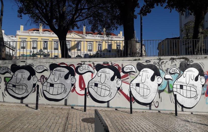 Museu dos Remédios - Nacionalidade Portuguesa