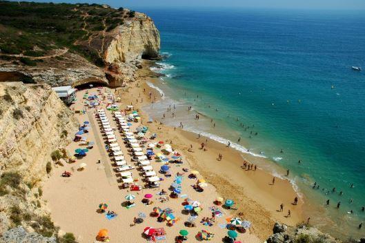 praia dos caneiros - nacionalidade portuguesa