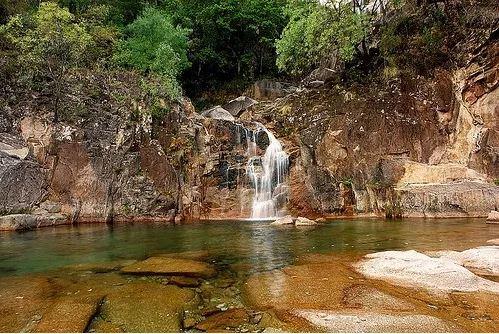 cascata tahiti geres - nacionalidade portuguesa