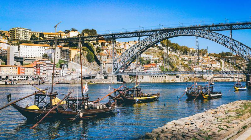 cidade do Porto em Portugal - nacionalidade portuguesa